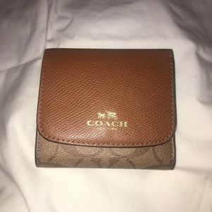 COACH - small brown leather wallet